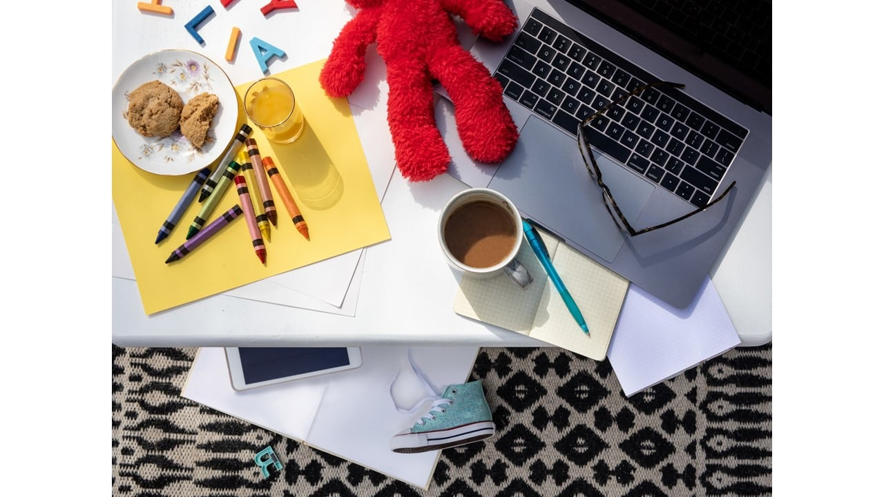 Make it Through May: A Mindful Return Mini-Course for Parents Working from Home With Kids